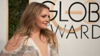 Airline stands by writer of 'fake' Drew Barrymore article