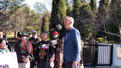 Bob Brown's Adani protest outside Indian High Commission