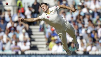 Mitch Marsh snares four as England reach 8-271