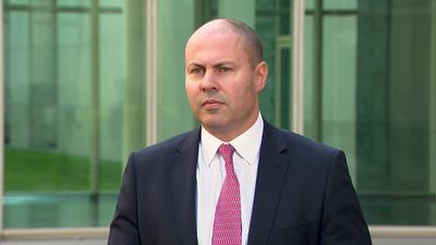 IMF says economy is slowing but Frydenberg says it's in relatively good shape