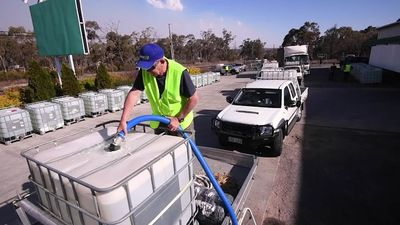 Desperate charity flows for those out of the reach of Stanthorpe's dwindling water supplies