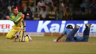 India plunder Aussies to clinch ODI series