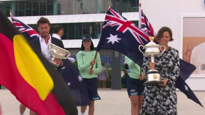 Marat Safin and Lindsay Davenport cut the ribbon on day one of the Australian Open