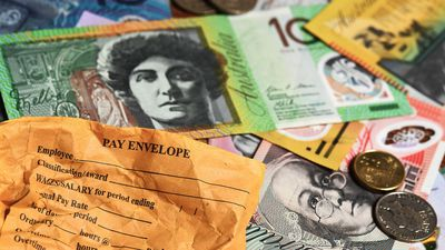 Wages growth flat as Australian economy stalls