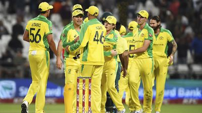 Aussies claim T20 series over South Africa