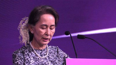 Myanmar leader beckons investors to country despite troubles