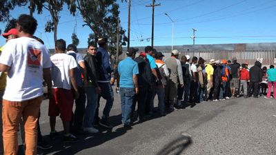Migrants facing US visa troubles turn to other countries