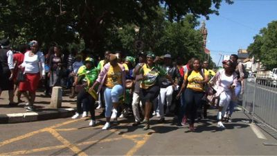 Journalists, supporters and family arrive for J. Zuma's hearing