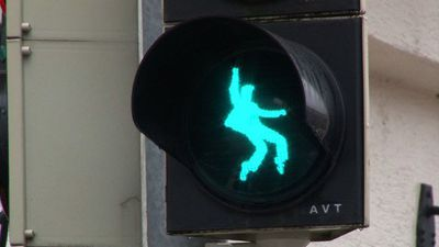 'The King' of the road: German town puts Elvis on traffic lights
