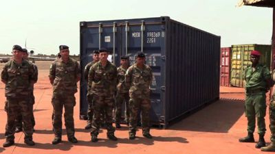 France hands over 1400 assault rifles to C.Africa
