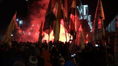 Thousands protest labour law in Budapest