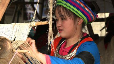 Vietnam fabric cooperative helps trafficking victims