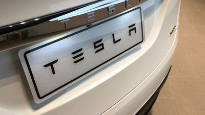 Tesla recalls thousands of cars in China