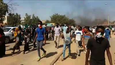 Sudan: mourners demonstrate after funeral of killed protester