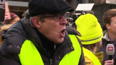 Yellow vest demonstrators descend on Aachen during treaty talks