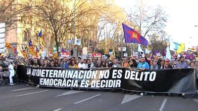 Protesters hold march against trial of Catalan leaders in Madrid