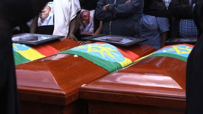 Ethiopians hold funerals for victims of plane crash