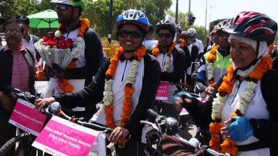 Indian cyclists cycle 1500 kms to promote gender equality