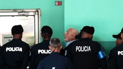 Ex-Panama president Martinelli arrives at court for trial