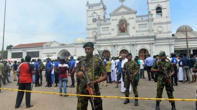Blasts at Sri Lanka hotels and churches kill more than 160
