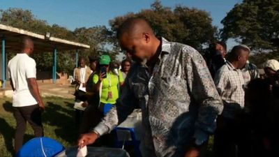 Malawi election: Saulos Chilima casts his vote