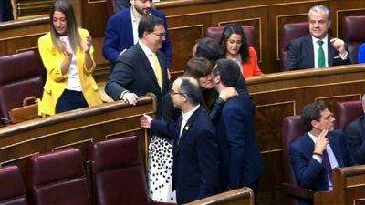 Catalan separatists on trial take seats in parliament