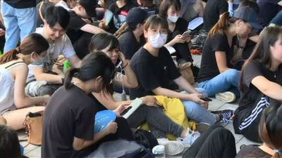 Hundreds converge on Hong Kong parliament in anti-govt demo