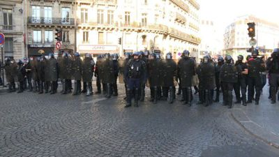 Thousands of Paris police deployed as 'yellow vests' gather