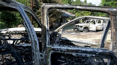 Gunmen kill police and torch cars in western Mexico