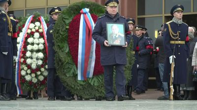 Russia bids farewell to first man who walked in space