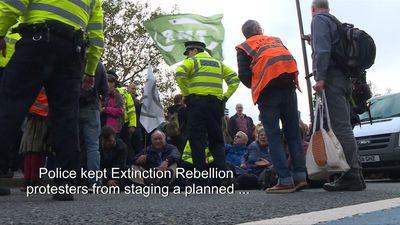 Extinction Rebellion climate activists defy London protest ban