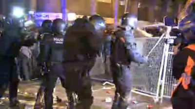 Police face off with Catalan separatists in Barcelona