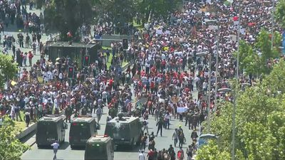 Protests continue in Chile's capital over transport price hike