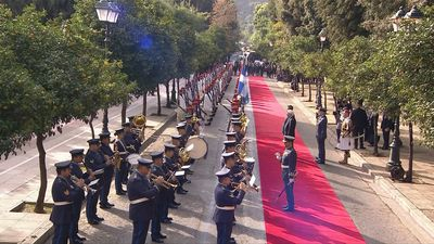 Chinese President Xi Jinping is welcomed by Greek President Prokopis Pavlopoulos