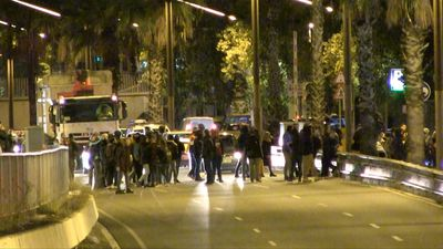 Pro-independence protesters block roads in Barcelona