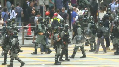 Riot police arrive in Hong Kong's business district