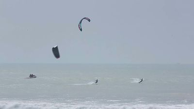 Disputed Western Sahara becomes kitesurfing hotspot