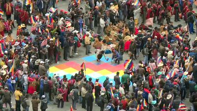 Bolivians protest in La Paz against political crisis
