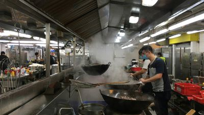 Kitchen confidential: HK student protesters take over university canteen (2)