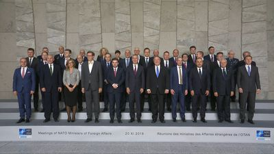NATO: Member Foreign Ministers pose for family photo