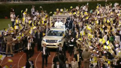 Pope Francis arrives to lead in Bangkok