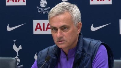 Mourinho congratulates Pochettino for his work at Tottenham