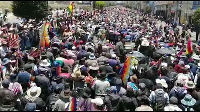 Thousands accompany funeral procession of killed protesters to La Paz