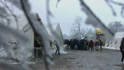 Migrants face freezing conditions at Bosnia camp