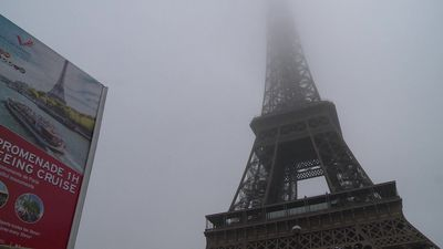 Tourists empathise as strike forces closure of Eiffel Tower