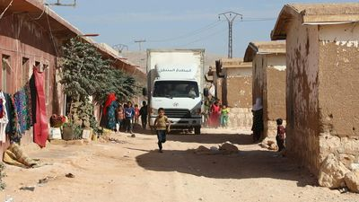 Food truck ferries meals to Syria's displaced in northern Idlib