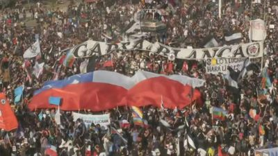 Chilean demonstrators hit the streets of the capital again