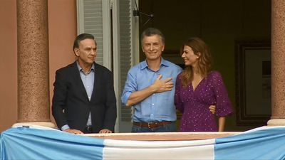 Argentina: outgoing president Macri attends his farewell rally