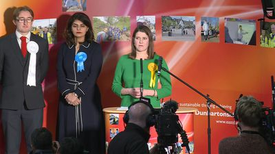 "UK election: pro-EU Lib Dem leader Jo Swinson says results will bring ""dread and dismay"" after losin"