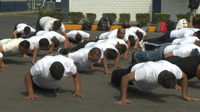 Mexico City entices its police force to get in shape